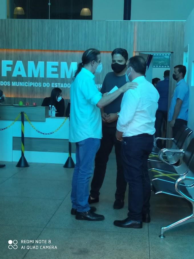 ELEIÇÃO FAMEM - Mesmo em chapas opostas, Fábio Gentil e Luciano Genésio mantém diplomacia durante votação