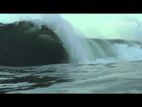 Kelly Slater wipe out