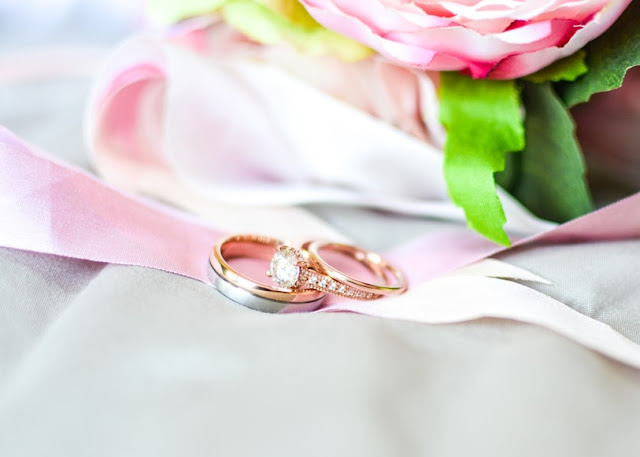 Yüzük Takma Konuşması Yüzük Takma Merasimi Konuşmaları Bir baba kızına nişan yüzüğü takarken neler söyler Nişan ve Söz Hakkında Bilmeniz Gerekenler Nişan yüzüğü takarken söylenebilecek sözler