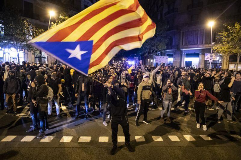 Clasico, Protestors, square, politically, Barcelona, Real Madrid,