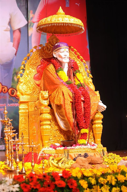 3d Radha Krishna Wallpaper Download Love4wallpapers Bolo Sai Baba Ki Jai Om Sai Ram