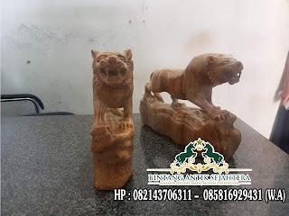 Patung Hiasan Rumah