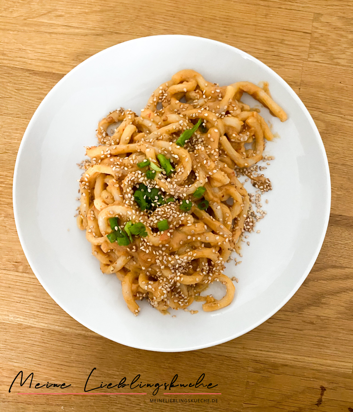 Yaki-Udon mit Erdnuss-Sauce