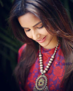 Priya Anand Latest HD Images and Wallpapers