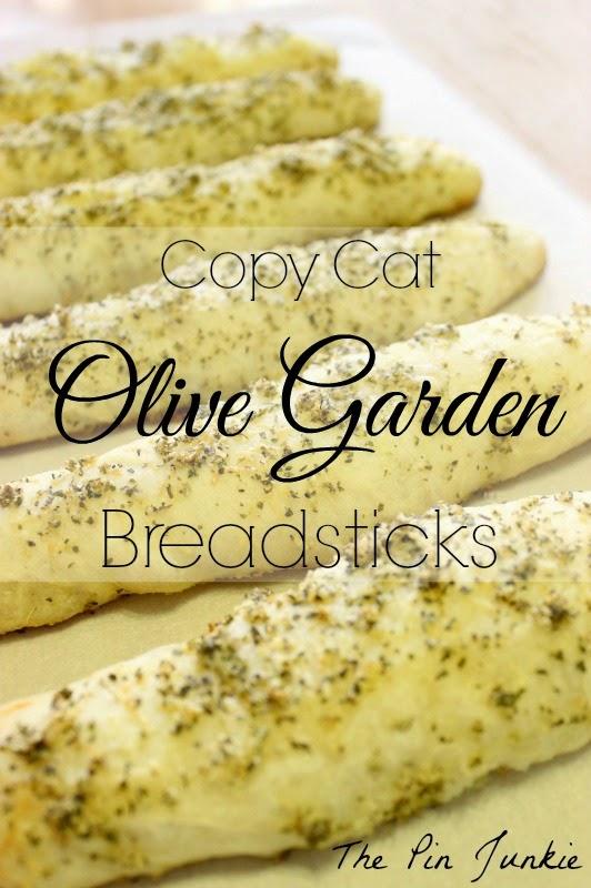 http://www.thepinjunkie.com/2014/12/olive-garden-breadsticks.html