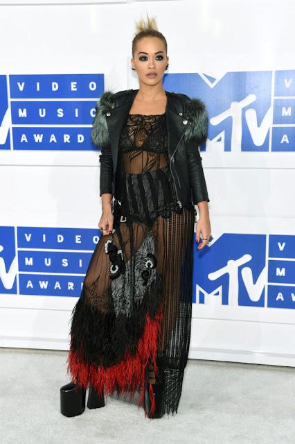Rita Ora MTV Video Müzik Ödülleri 2016 Kırmızı Halı