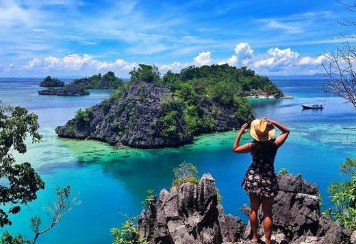 Pulau Tomia, Karang Purba Surganya Para Pencinta Laut dan Pengagum Senja