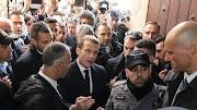 """""""Izraeli rendőrök kifelé!"""" – Macron kizavarta az izraeli rendőröket a jeruzsálemi francia templomból"""