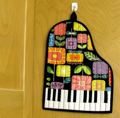 grand piano quilted hot pad pattern
