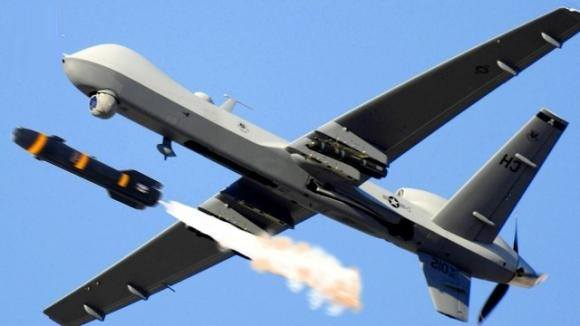 Vì sao tên lửa Mỹ có thể đánh trúng xe chở tướng cấp cao Iran?