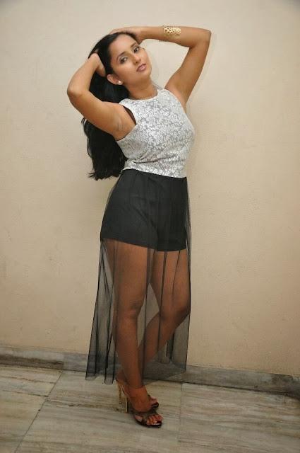 Telugu Hot actress ishika singh sexy