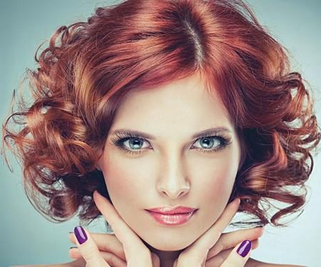 Gaya rambut wanita terbaru ikal