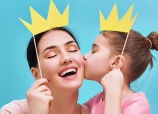 """Σταματήστε να λέτε διαρκώς στα κοριτσάκια """"πόσο όμορφα είναι""""! Δείτε γιατί"""