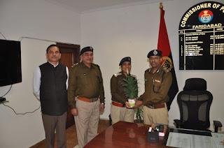 नवनियुक्त पुलिस आयुक्त संजय कुमार ने कार्यालय पहुच कर पदभार संभाला