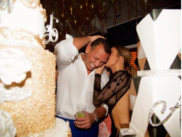 Jennifer-Lopez-Alex-Rodriguez-joint-birthday-party-photos
