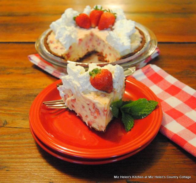 Fresh Strawberry Freezer Pie at Miz Helen's Country Cottage