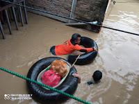 Anggota DPRD Medan ini Terjun ke Lokasi Banjir Bagikan Sarapan Pagi