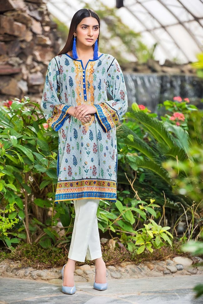 Warda's lawn embroidered shirt Blue color
