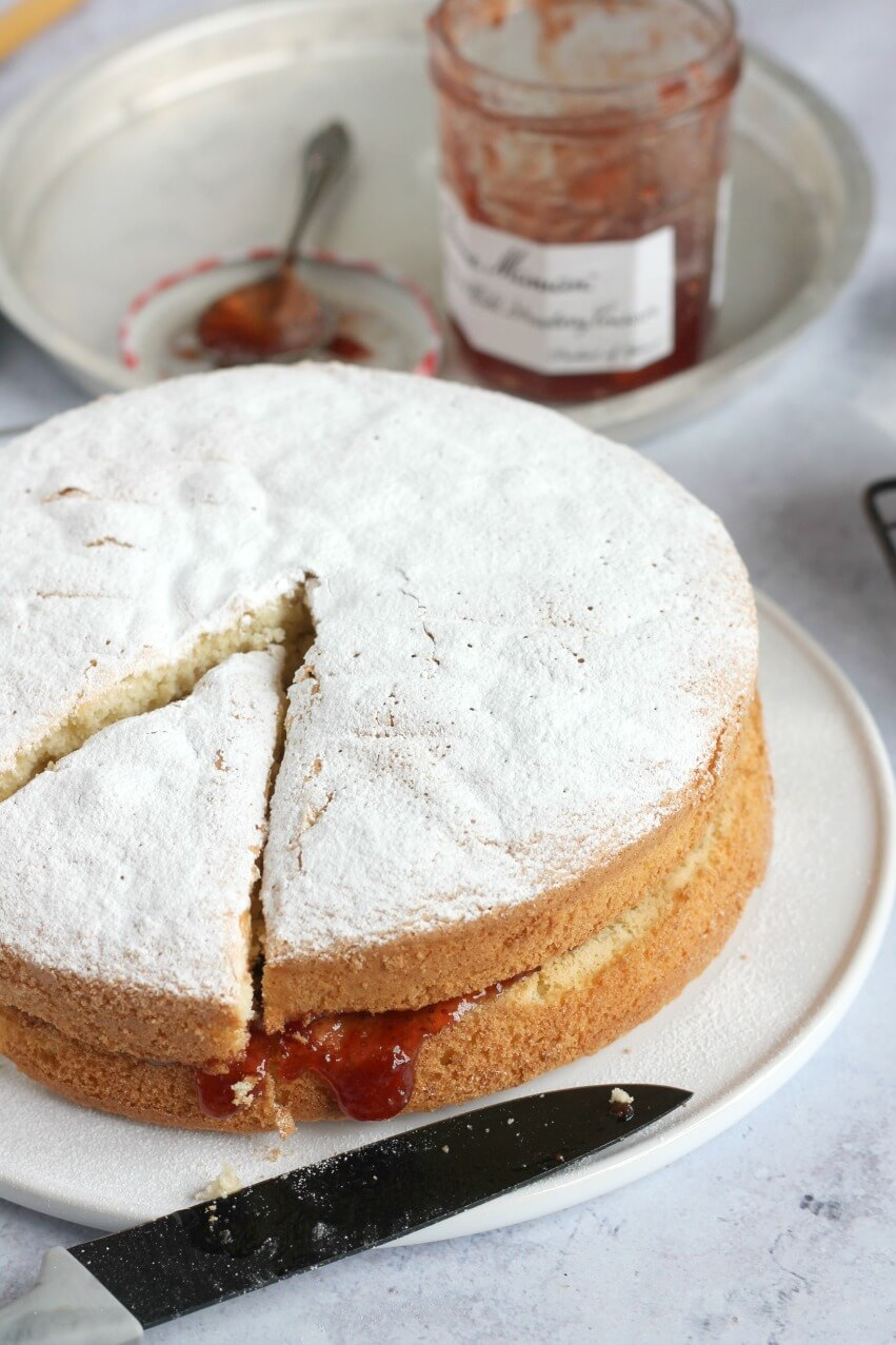 Fat Free Sponge Cake sandwiched with jam