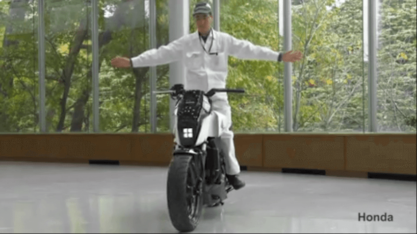 Honda's Self-balancing Electric Motorbike can keep rider from falling