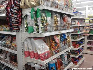 Belanja Coklat Murah Di Mustafa Center Singapore