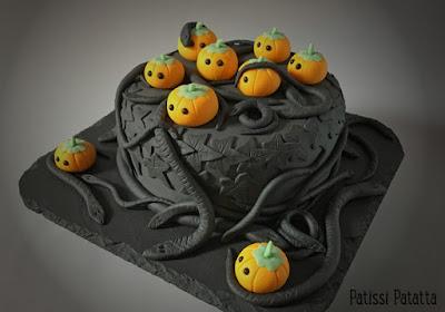recette de gâteau Halloween, la trouille des citrouilles, gâteau Halloween, Halloween cake, citrouilles Halloween, serpents en pâte à sucre, serpents Halloween, snakes cake, cake design, gâteau décoré, pâte à sucre, Halloween, gâteau la trouille des citrouilles, gâteau serpent, patissi-patatta