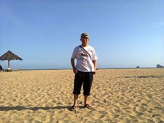ery di Pantai Bajul Mati