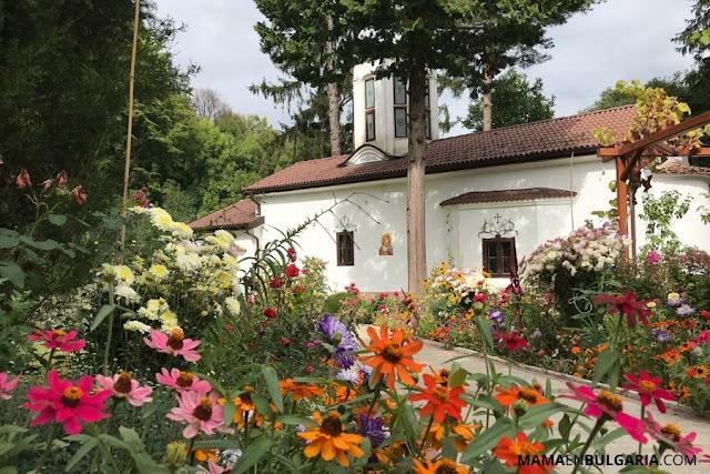 """Monasterio de Divotino """"La santísima Trinidad"""" Sofía"""