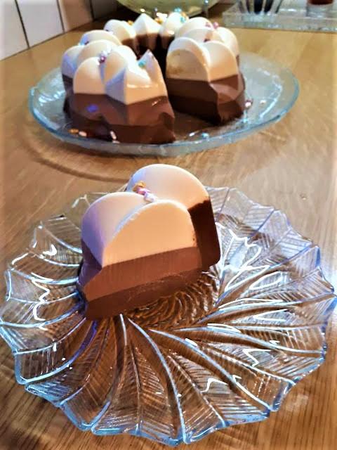 Τούρτα τριπλής σοκολάτας