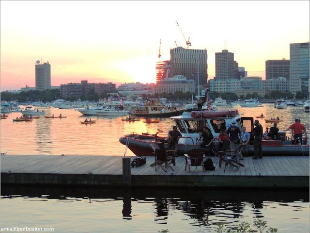 Atardecer del Día de la Independencia en la Esplanade de Boston
