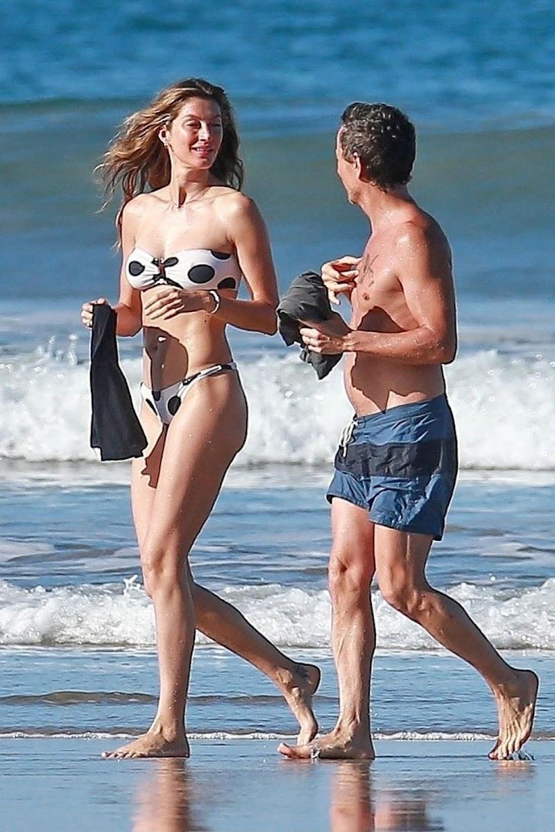 Gisele Bündchen Clicked in a Polka Dot Bikini on the Beach in Costa Rica 12 Mar -2020