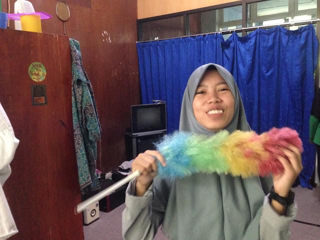 Cleaning Day, Bersih-Berih di Laboratorium
