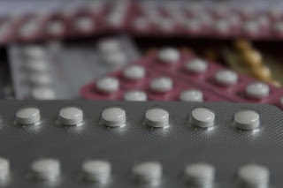 Atrasar alguns minutos corta o efeito do anticoncepcional?