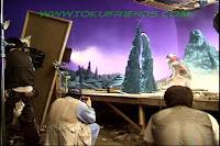 http://1.bp.blogspot.com/-InWU5XdwW7A/ViPW8o50TEI/AAAAAAAADeU/KMmrhqbGTC8/s1600/Ultraman_tiga_oddissey_backstages_96.jpg