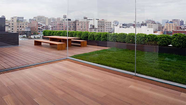 rooftop lantai kayu