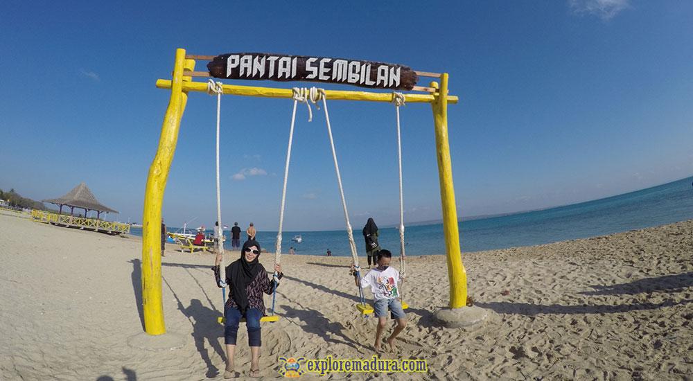fasilitas bermain dan wisata di pantai sembilan pulau gili genting madura