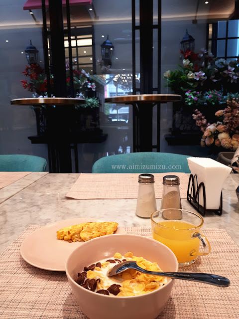 breakfast di ashley hotel sabang jakarta