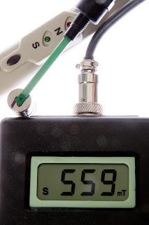 alat Uji Kekuatan Magnet - Teslameter HT - 20