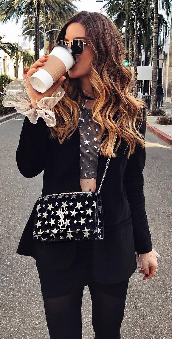 stylish look | black blazer + printed top + star print bag + jeans