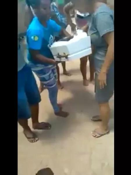 Velório de criança é interrompido após pastor afirmar que ela estava viva  - Adamantina Notìcias