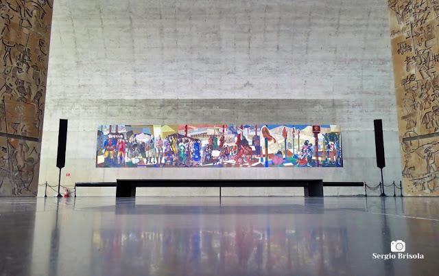 Vista ampla do Painel Tiradentes - Memorial da América Latina - São Paulo