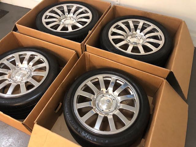 全てがケタ違い!ブガッティ・ヴェイロンの純正ホイールとタイヤが約1100万円で販売中!