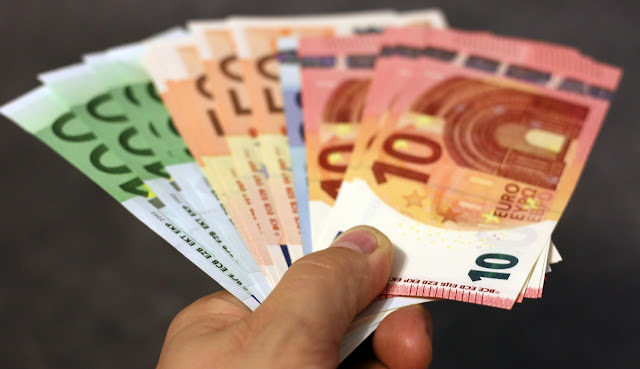 Όλα τα δικαιολογητικά και τα βήματα της διαδικασίας για να εισπράξουν οι δικαιούχοι τα 800 ευρώ