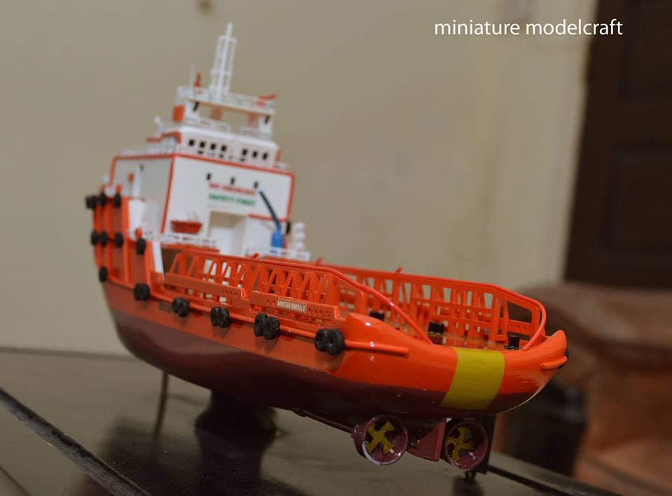 pembuat produsen pengrajin miniatur kapal ahts arkstar emerald allianz eagle 1 allianz group abu dhabi rumpun artwork planet kapal indonesia