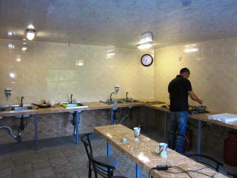 Кухня Гостевого дома у парка Семидворья