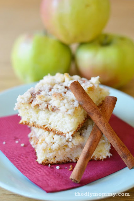 German Apple Crumb Cake Recipe