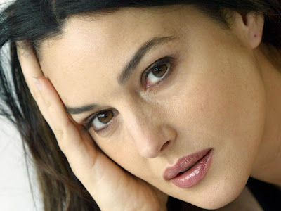 Monica Bellucci Normal Resolution HD Wallpaper 6