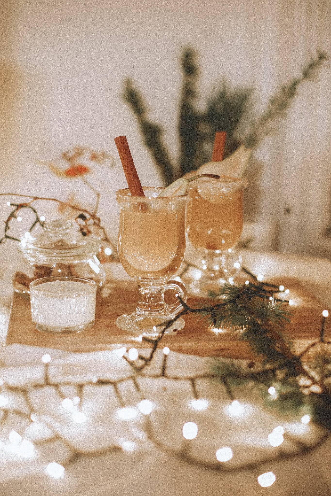 Rêveuse Recipe: A Cosy Winter Drink - Cinnamon Apple and Pear