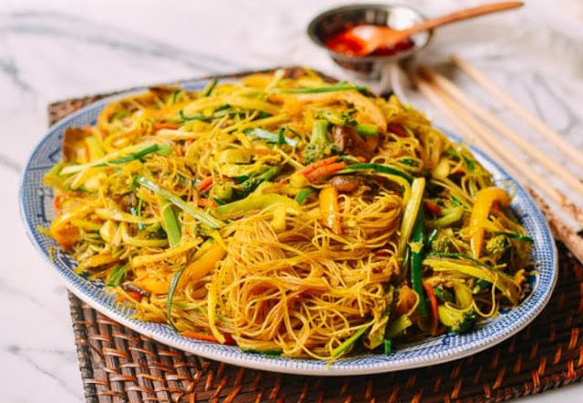 Singapore Noodles #vegan #dinner