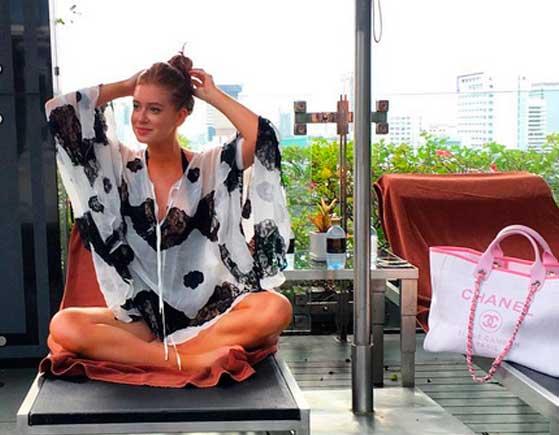 Look da Marina Ruy Barbosa na Tailândia, viagem com namorado Xandinho Negrão, bata piscina